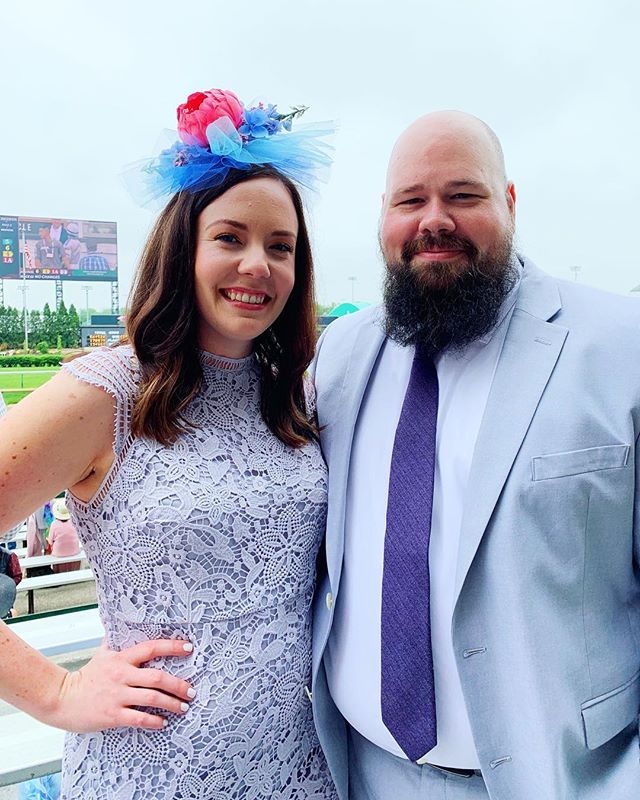 The sun might not have shined bright, but we still had a great time at Derby! 🌹🥃🐎👒💕