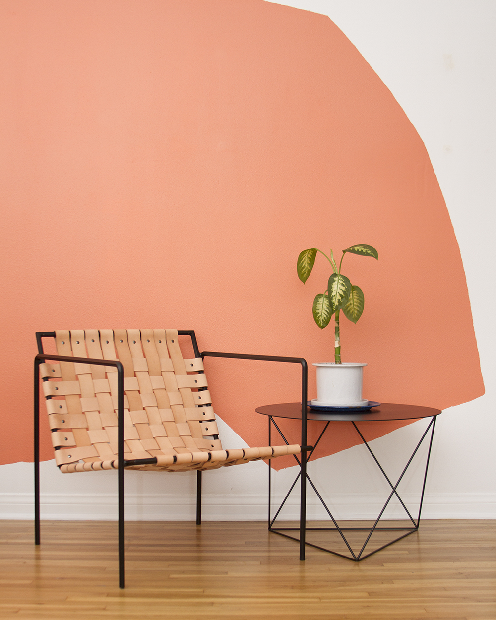 chair_black+table.jpg