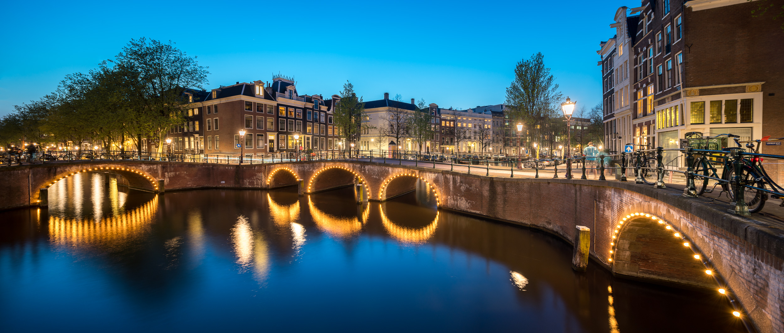 """Shift pano"" in the Amsterdam canals, shot with Sony A7R2 and Canon 17mm TS-E. Two photos stitched perfectly for a super wide field of view !"