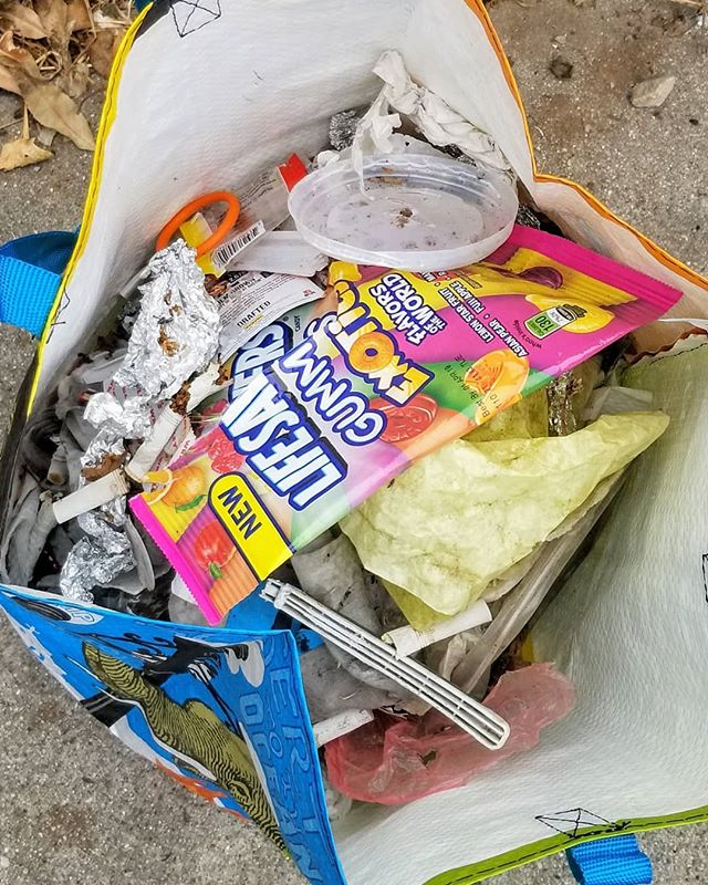 #Saturday #cleanup on my way to the beach...3 bags of #trash, only passed 1 trash bin on east side during my walk  Photo 6 I had my 2nd full bag, no where close enough to dump it out and as you can see tons of trash still laid ahead.. 👎🏼 Had to wait until Milpas to empty it out and collect bag #3 before I put my bag and reacher away  MORE TRASH CANS NEEDED!🗑 . . . #santabarbara #keepitcleansb #eastside #neighborhood #take3 #trashfreeearth #more #trashbins #needed