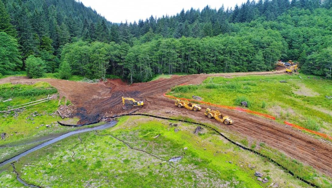 Skookum Dam removal in progress. Image courtesy of River Design Group.