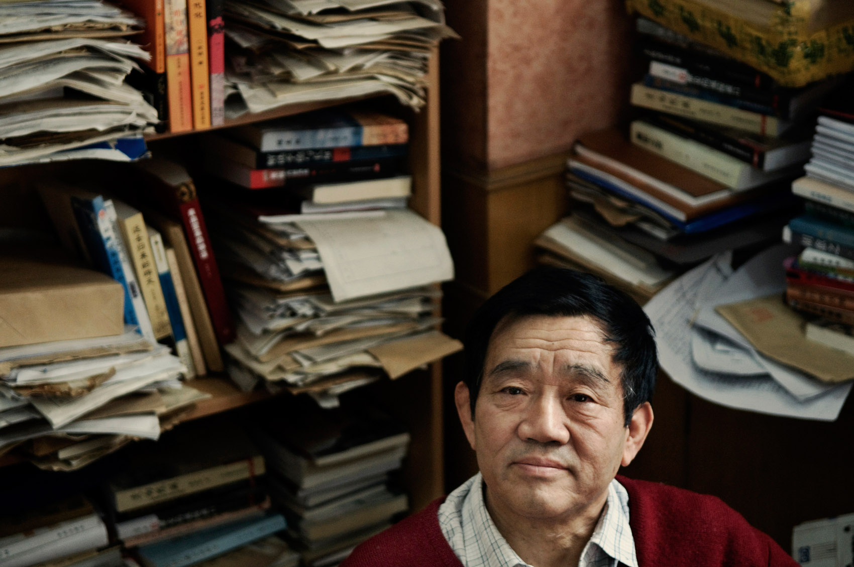 """Yang Jisheng, journalist and writer, at the office of the history journal Yanhuang Chunqiu, of which he is deputy publisher. Yang is the author of two books both banned in mainland China. """"Tombstone"""", published in 2008, is a thoroughly documented account of the great leap forward."""