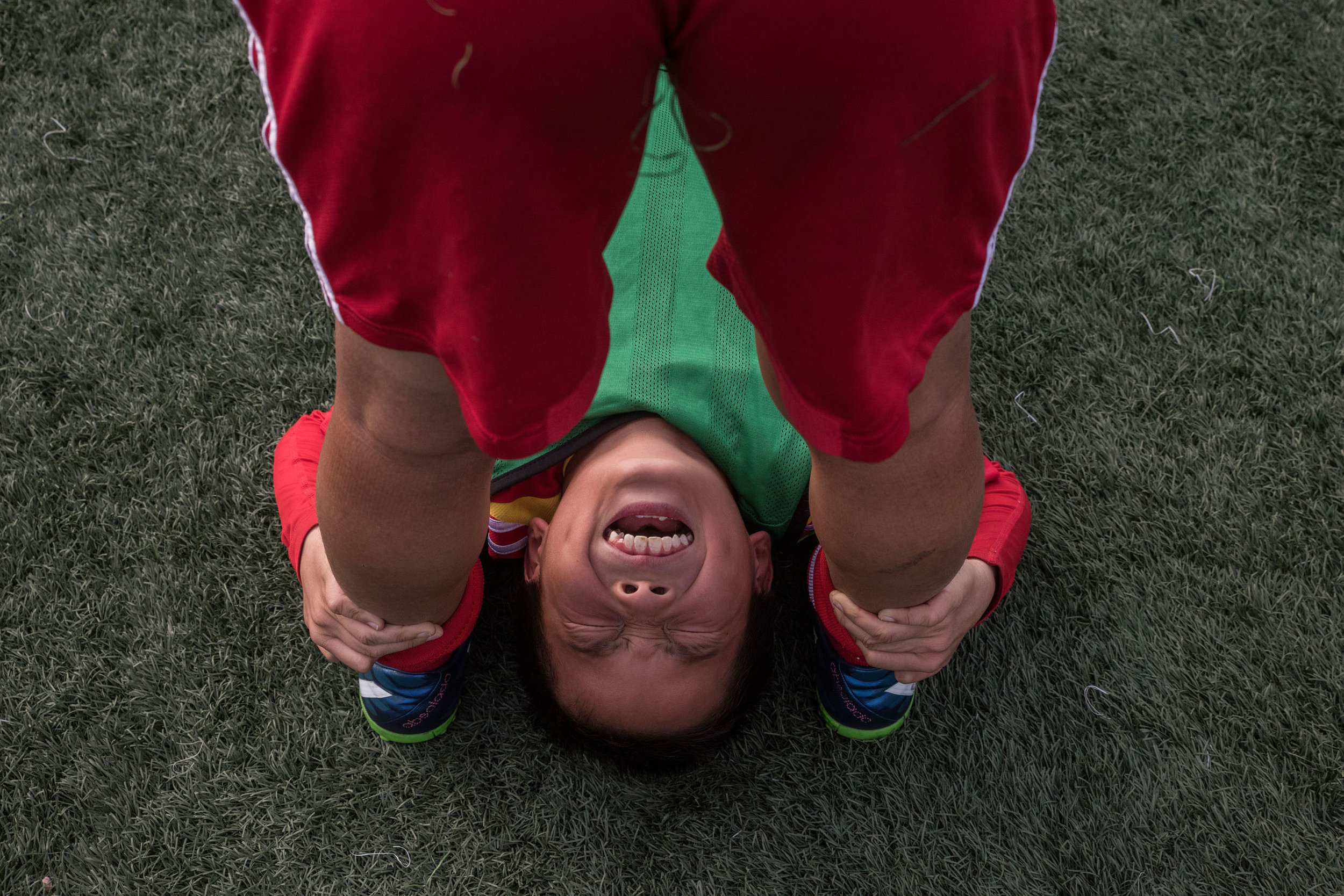 A student at pain during a gym session.