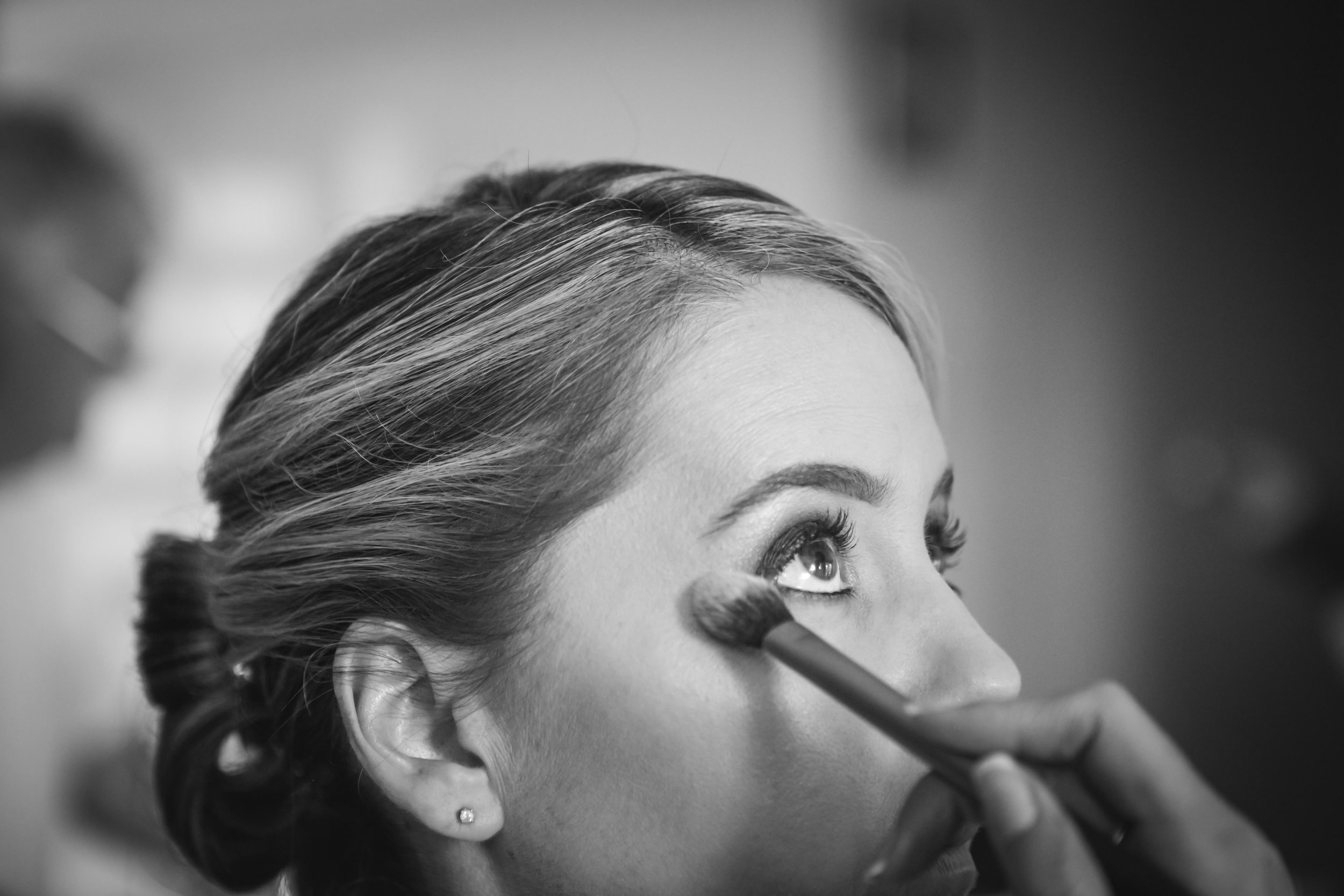 Keeping your powder light will ensure you set but not overload the skin (Image: Snippets Photography)