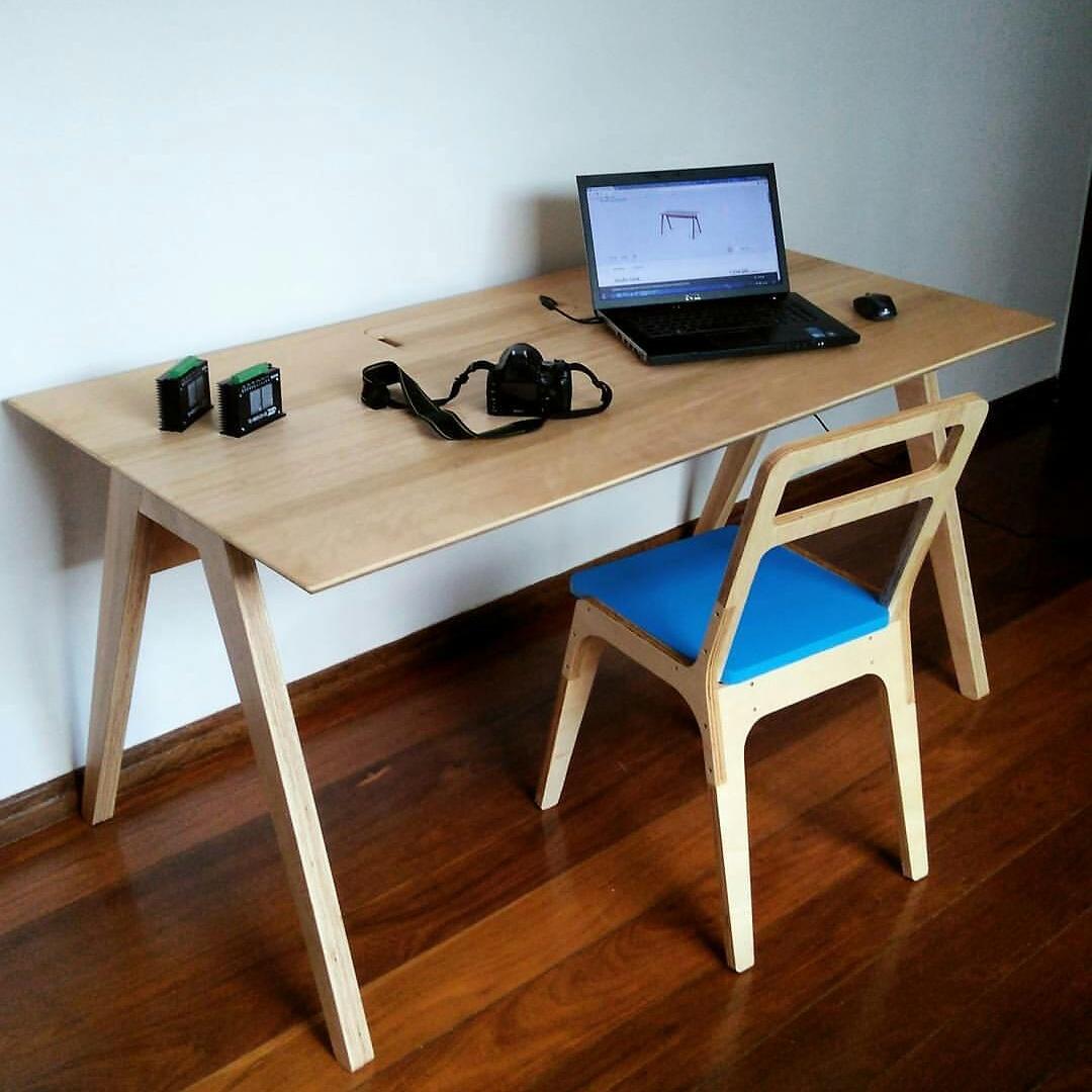 Mesa Studio Desk / Opendesk