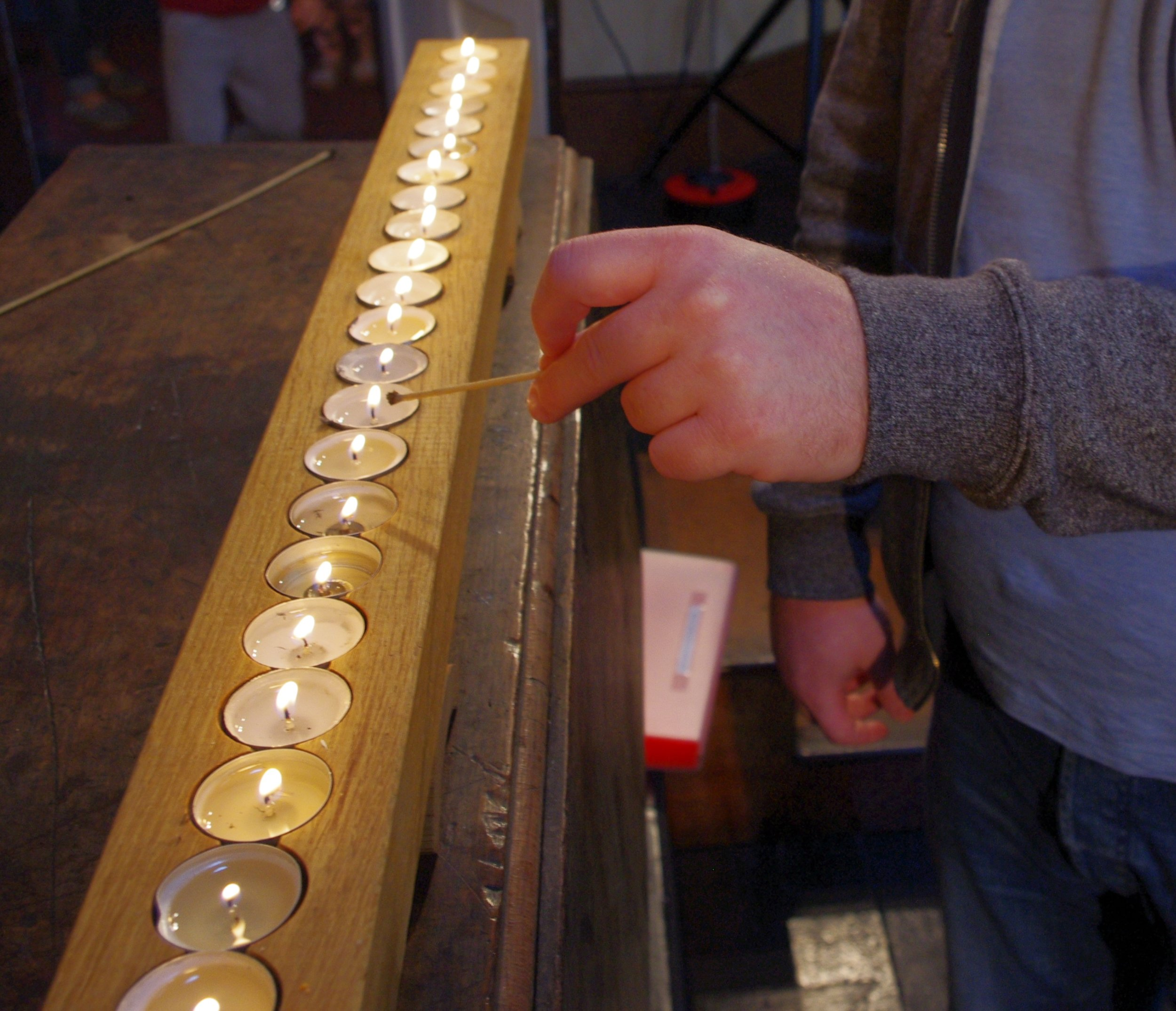 Toby lighting Chalice.JPG