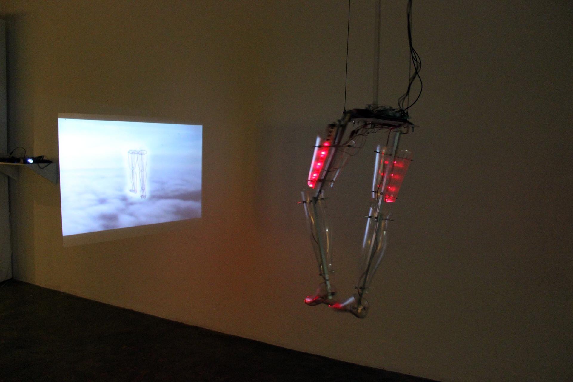 CONTROLLED DREAM MACHINE  Sensitive sculpture, 2007