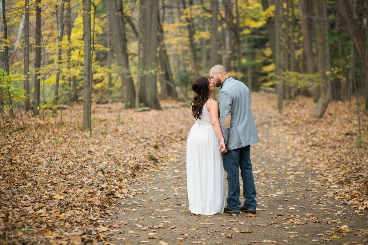 Cindy-and-grayson-mill-creek-park-youngstown-photographer-tracylynn-photography 6.jpg