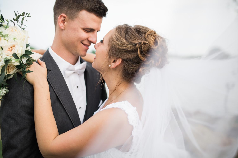 Erin-rusty-youngstown-ohio-wedding-photographer-tracylynn-photography-mill-creek-park-drakes-landing 12.jpg