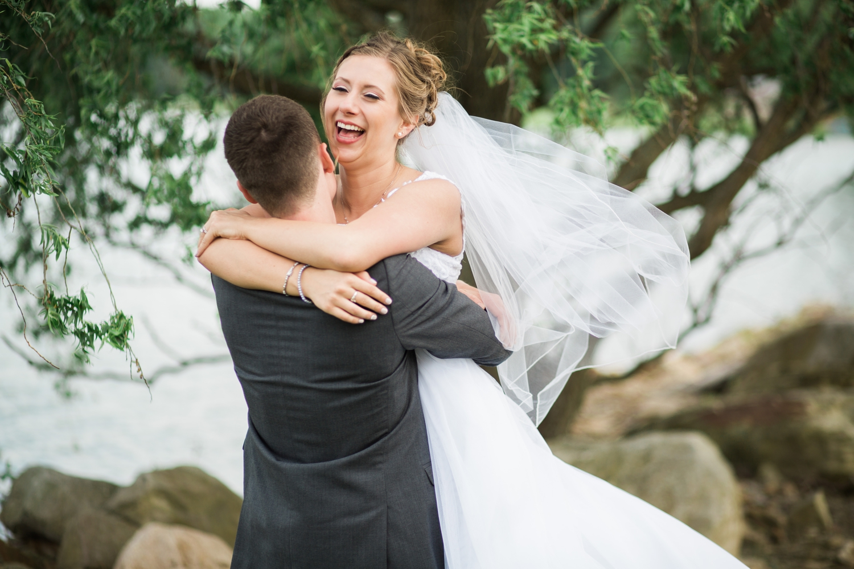 Erin-rusty-youngstown-ohio-wedding-photographer-tracylynn-photography-mill-creek-park-drakes-landing 22.jpg
