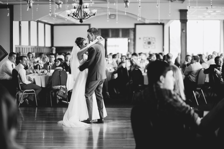 Erin-rusty-youngstown-ohio-wedding-photographer-tracylynn-photography-mill-creek-park-drakes-landing 28.jpg