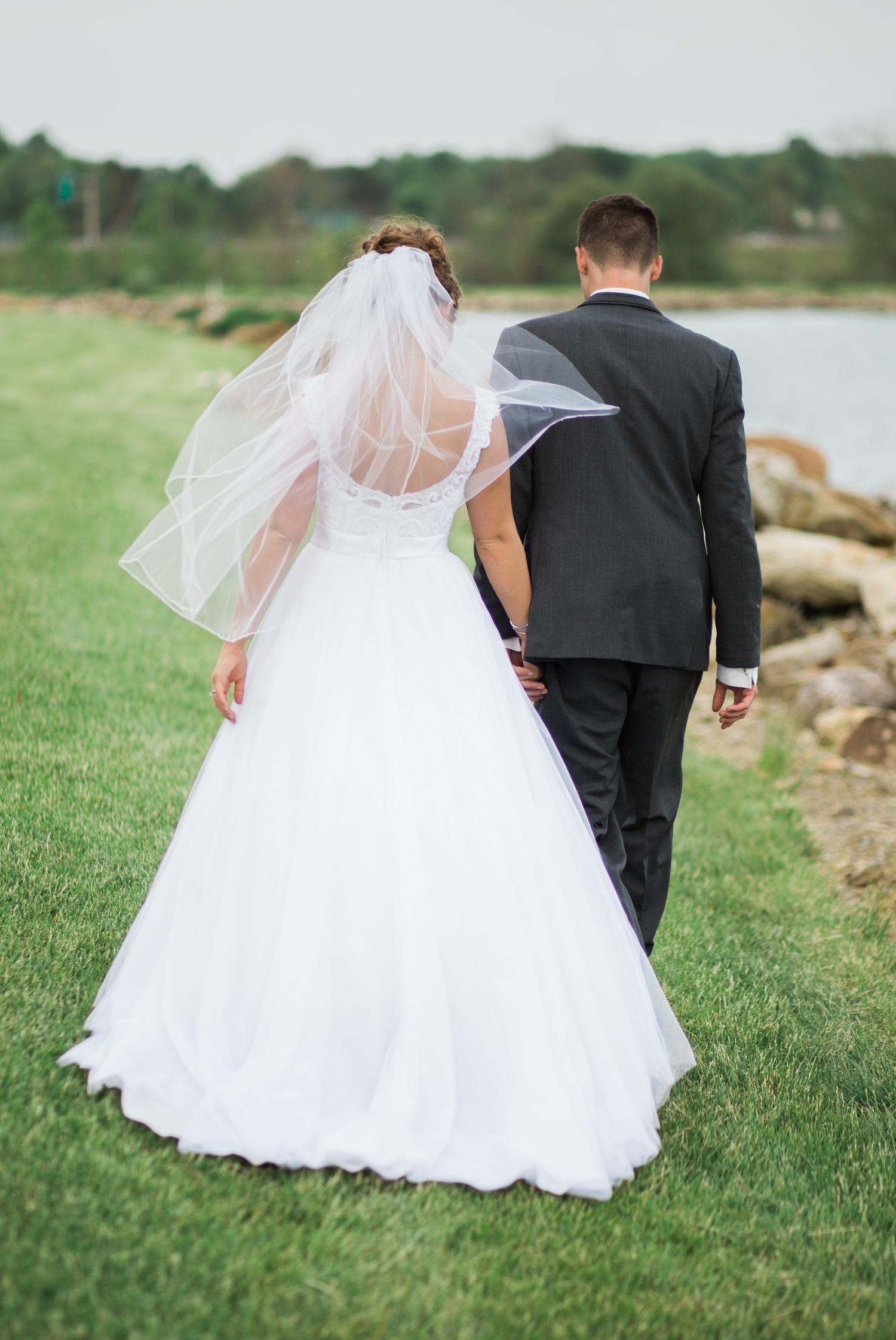 Erin-rusty-youngstown-ohio-wedding-photographer-tracylynn-photography-mill-creek-park-drakes-landing 33.jpg