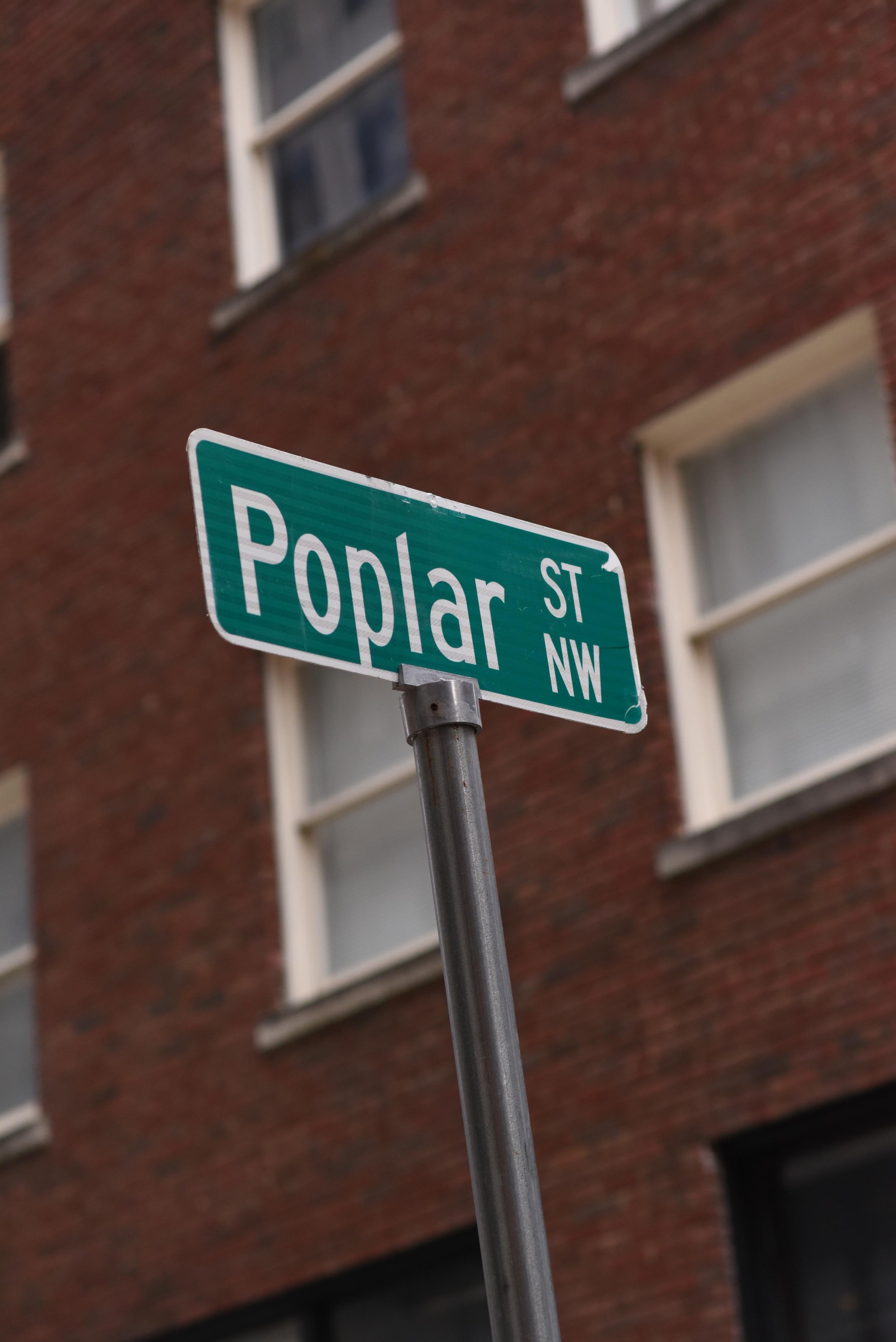 poplar-street-sign.jpg