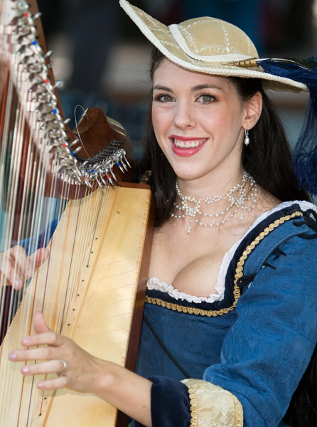 Harpist Sarah Mullen
