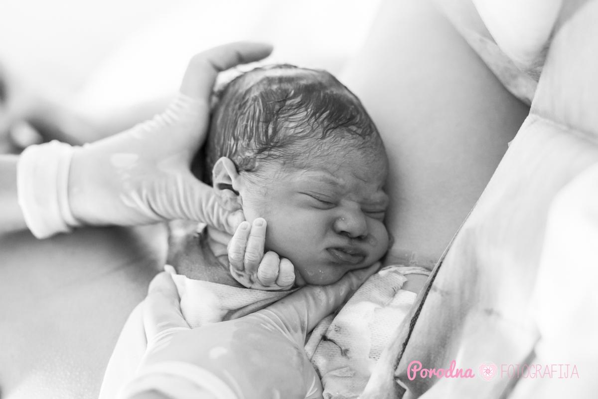 Slovenia Birth Photography Crowning