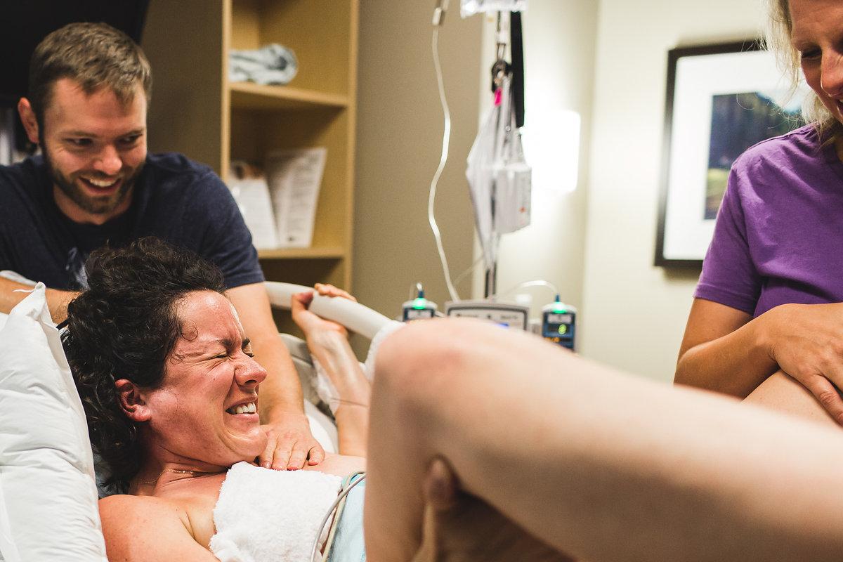 birth-becomes-her-denver-birth-photography-push