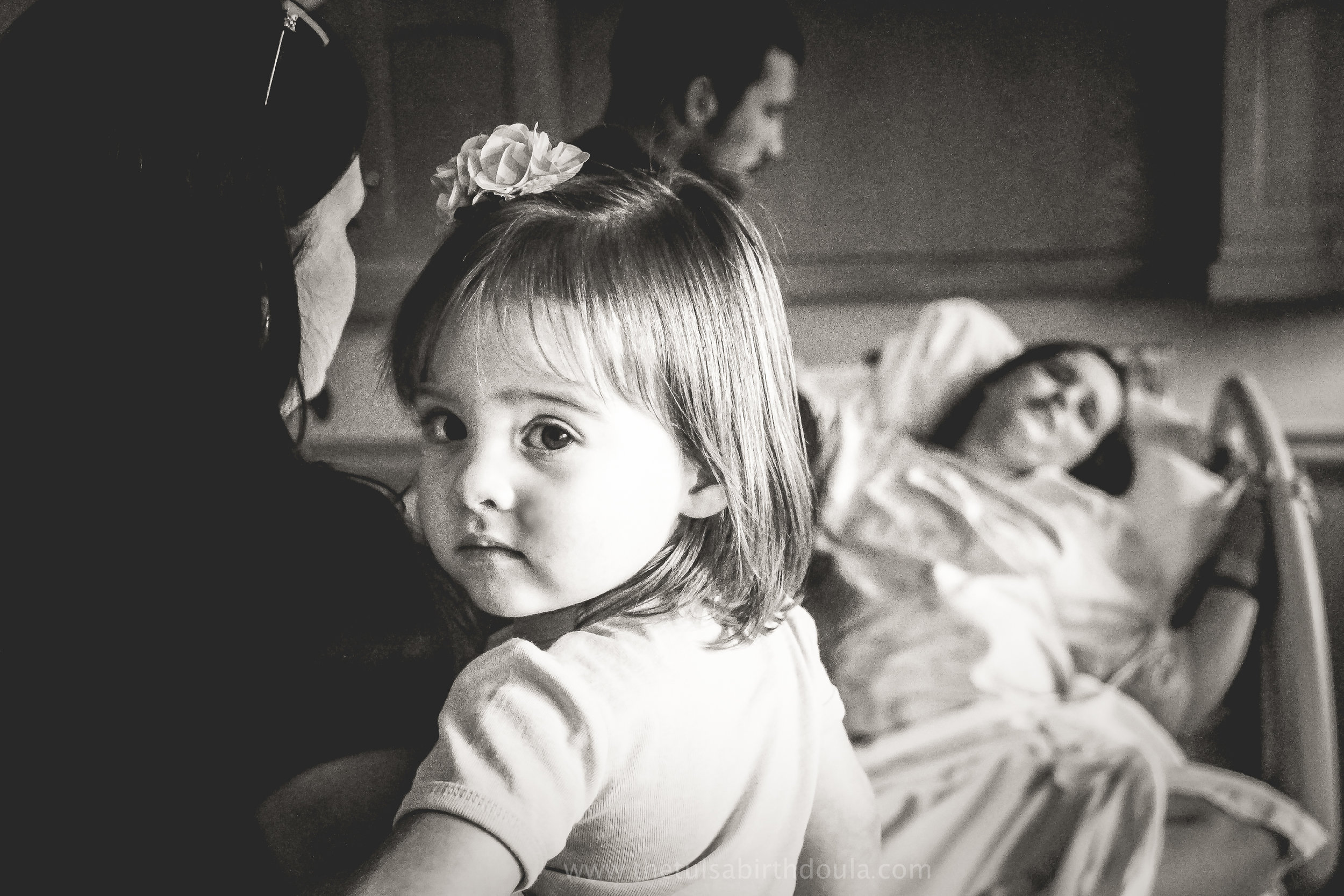 She stood by and watched her mom give birth. Powerful image by  the Tulsa Birth Doula