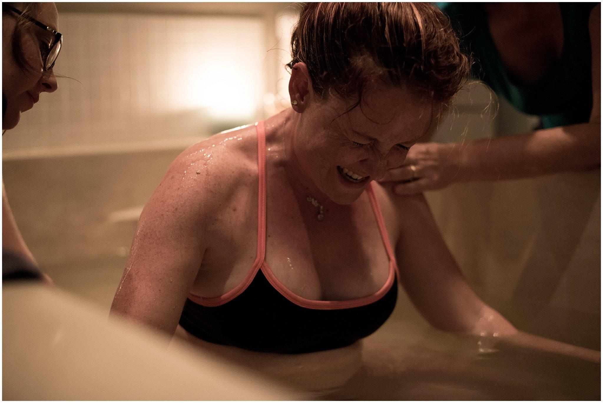 Water-birth-in-tub-at-hospital