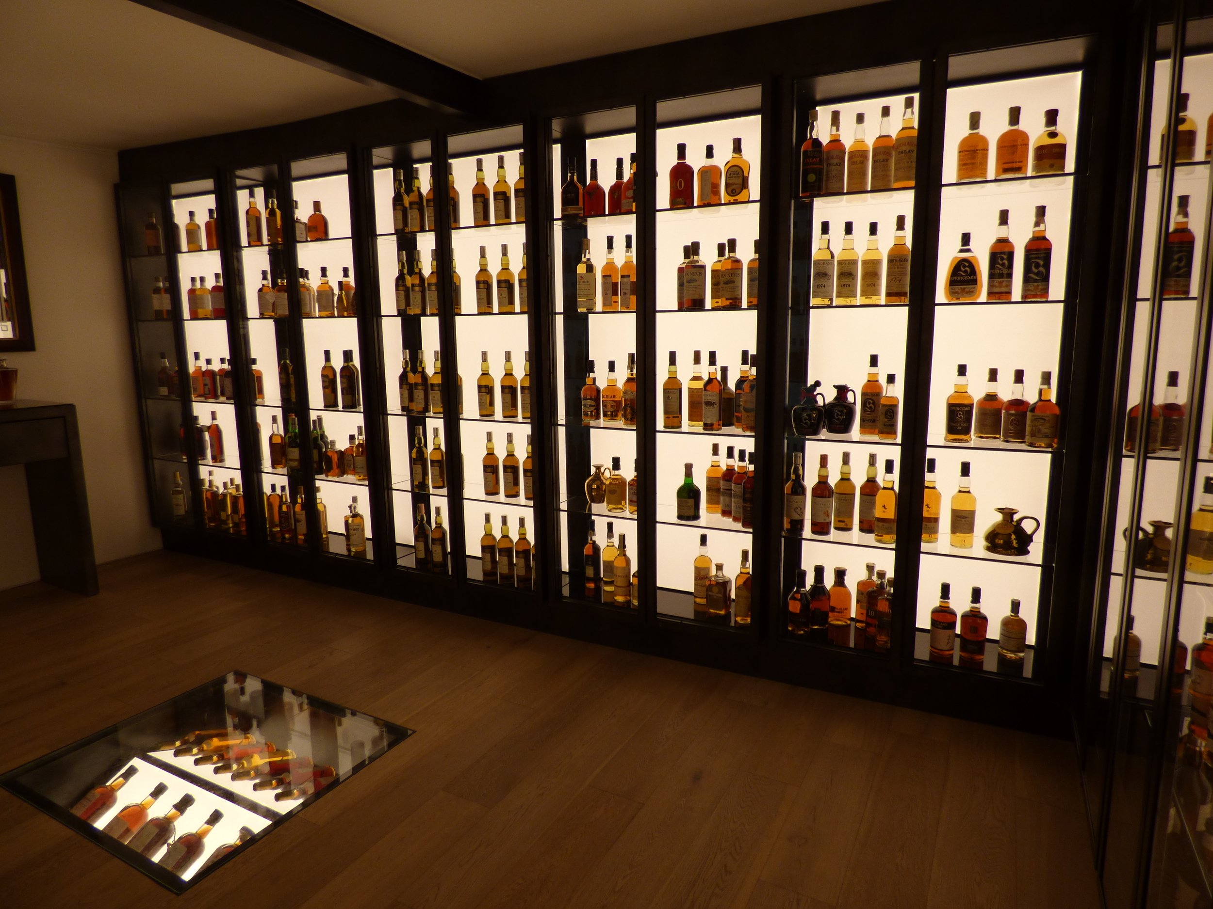 La Maison Du   Whisky, Paris (Showcase Room)