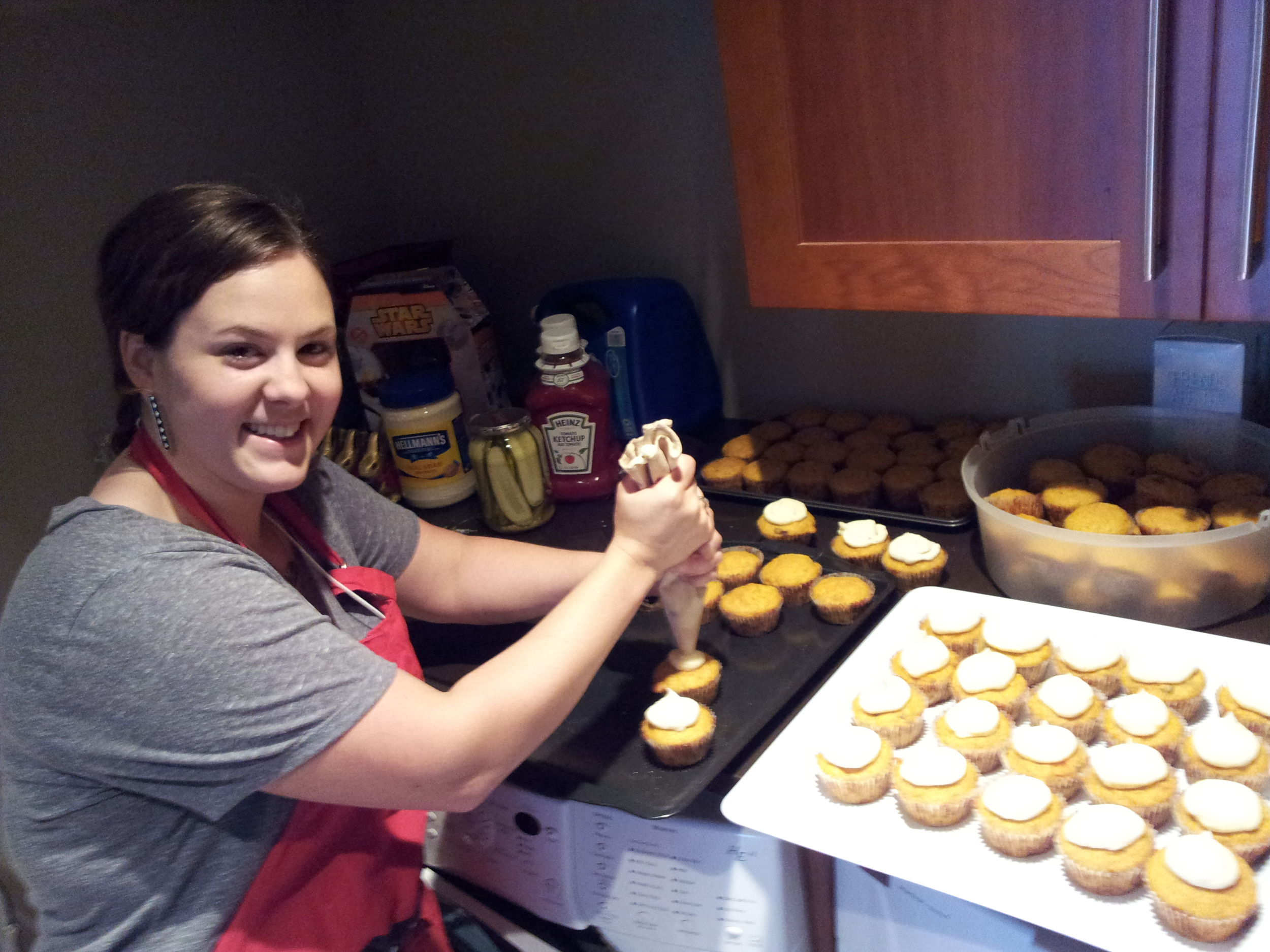 Alice making cupcakes for over 2000 people!