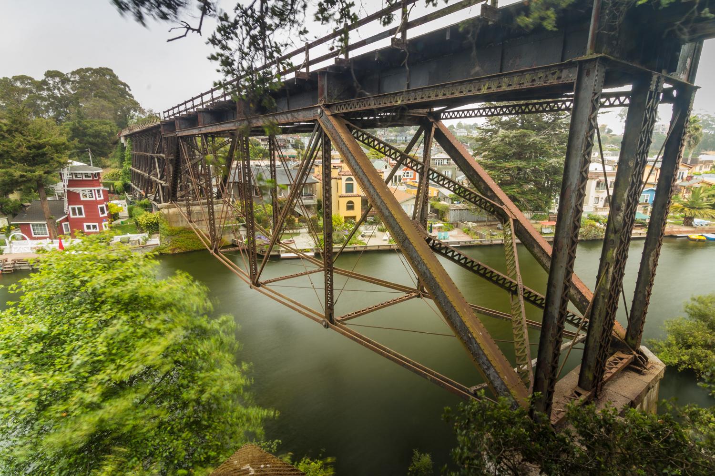 Capitola_CA_Bridge_01.jpg