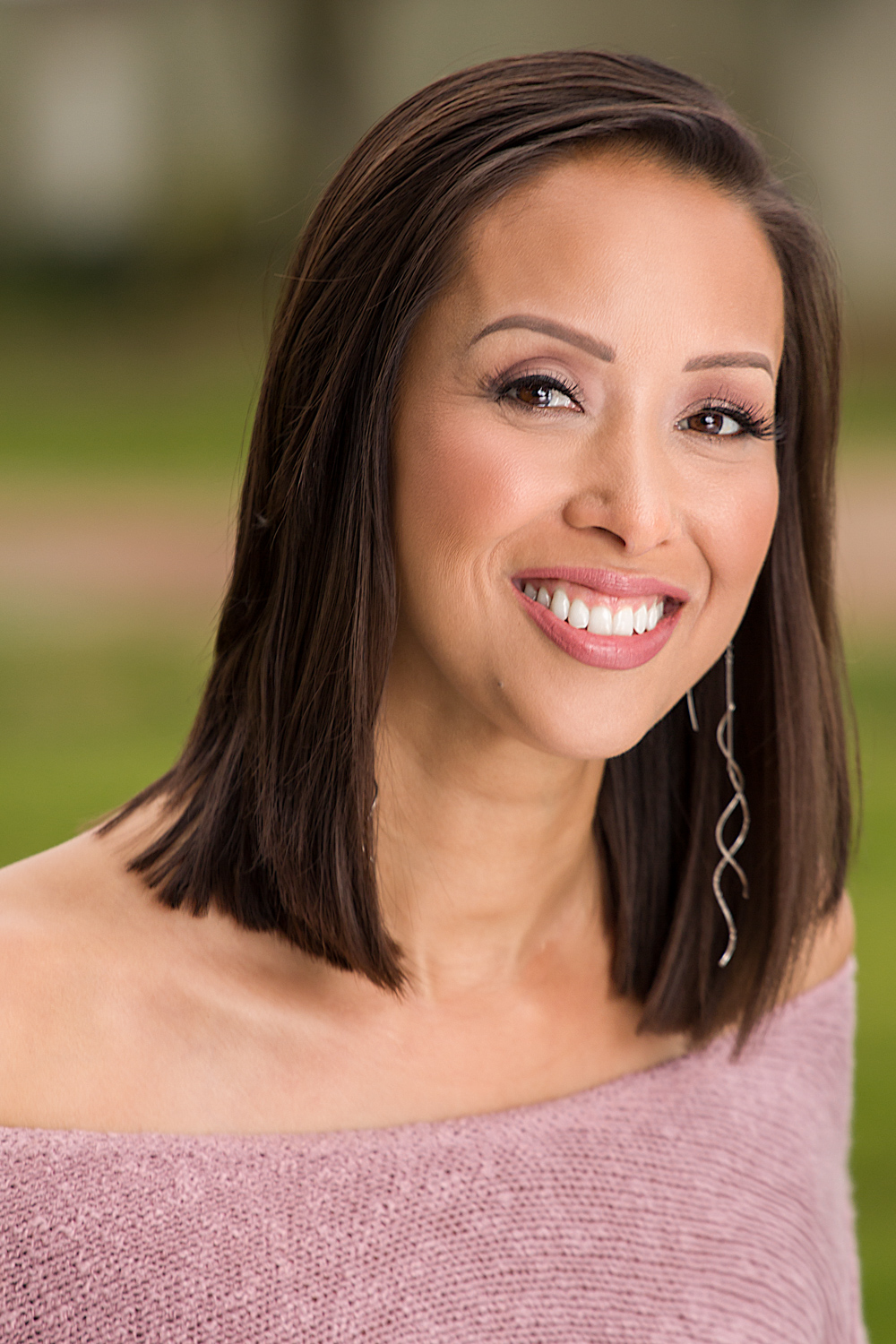 Miranda_LaRee_Headshots_Websize_02.jpg
