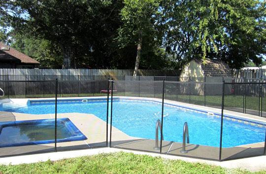 Compliant glass pool fence.jpg