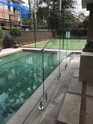 Glass pool fence2.jpg