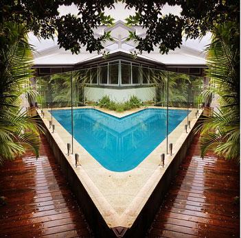 Triangle glass pool fence.jpg