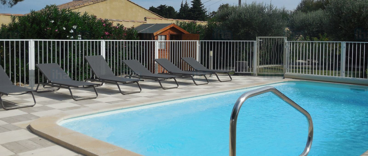 Glass Pool Fence VS Aluminium Pool Fence - Here are the differences — My  Pool Safety Pty Ltd