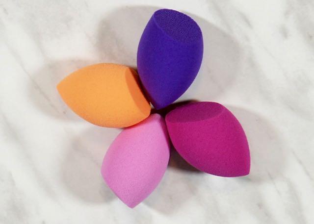 Farlyco-Gifts-PR Sample-Real Techniques-Mini Blender SpongeFarlyco-Gifts-PR SampleDSC02338.jpg
