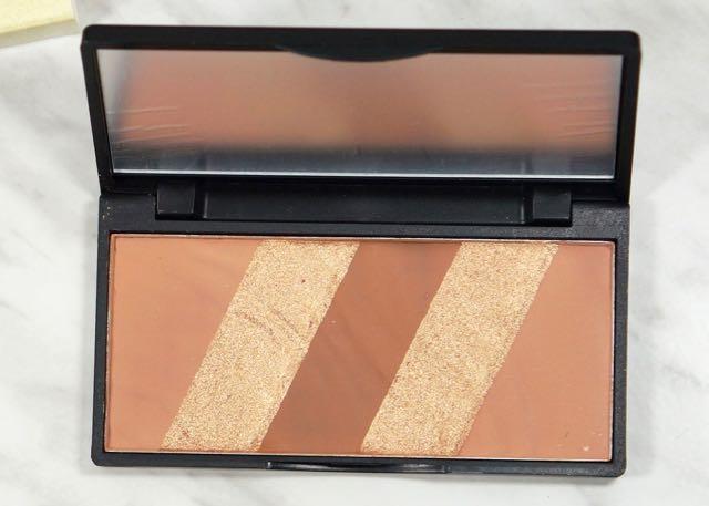December Boxy Charm-Glitz & Glam-Beaute Basics-Bronze Essentials PaletteDecember Boxy Charm-Glitz & GlamDSC03876.jpg
