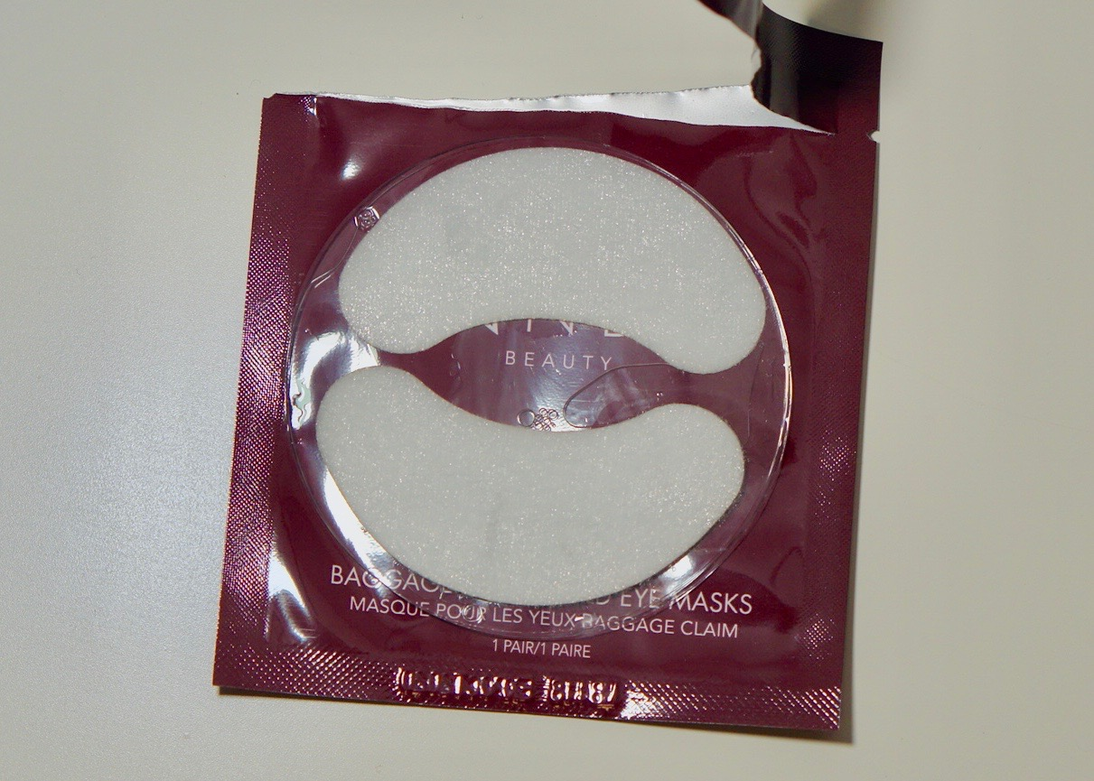 Boxy Charm August 2018 - Life Of The Party-Wander Beauty Baggage Claim Gold Eye MasksDSC09146.jpg
