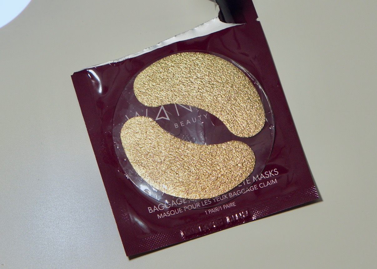 Boxy Charm August 2018 - Life Of The Party-Wander Beauty Baggage Claim Gold Eye MasksDSC09149.jpg