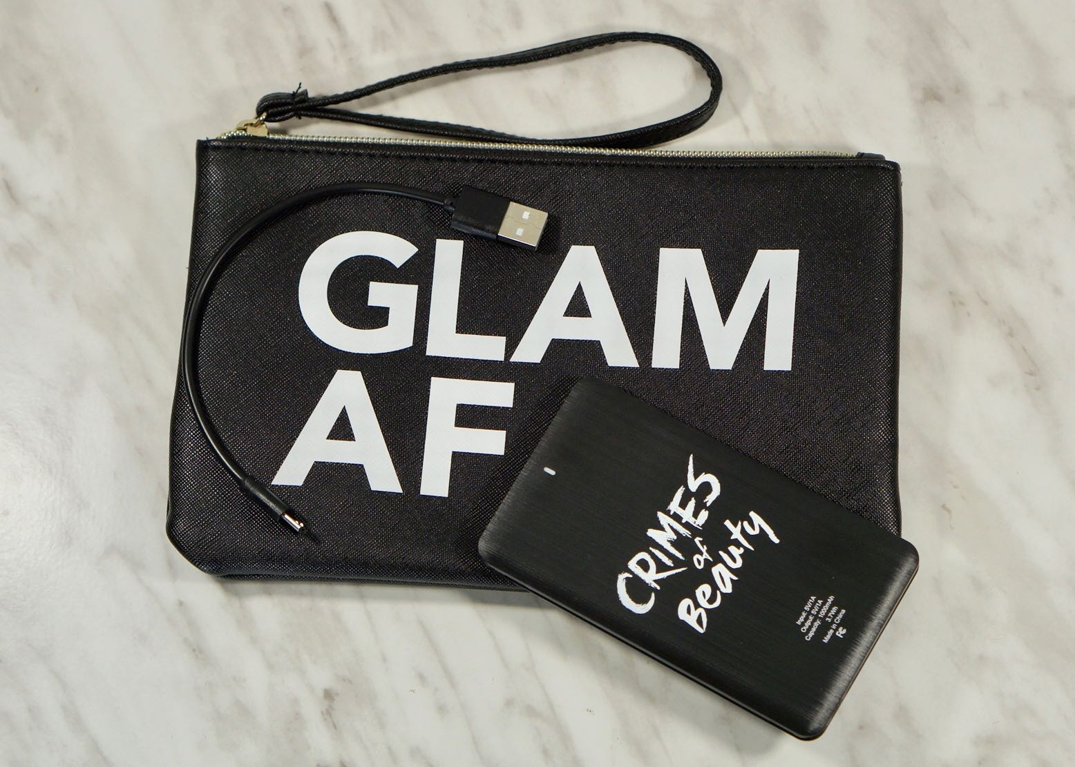 Boxy Charm-Luxe-December 2018-Crimes Of Beauty-Wristlet + Portable ChargerBoxy Charm-Luxe-December 2018DSC09837.jpg