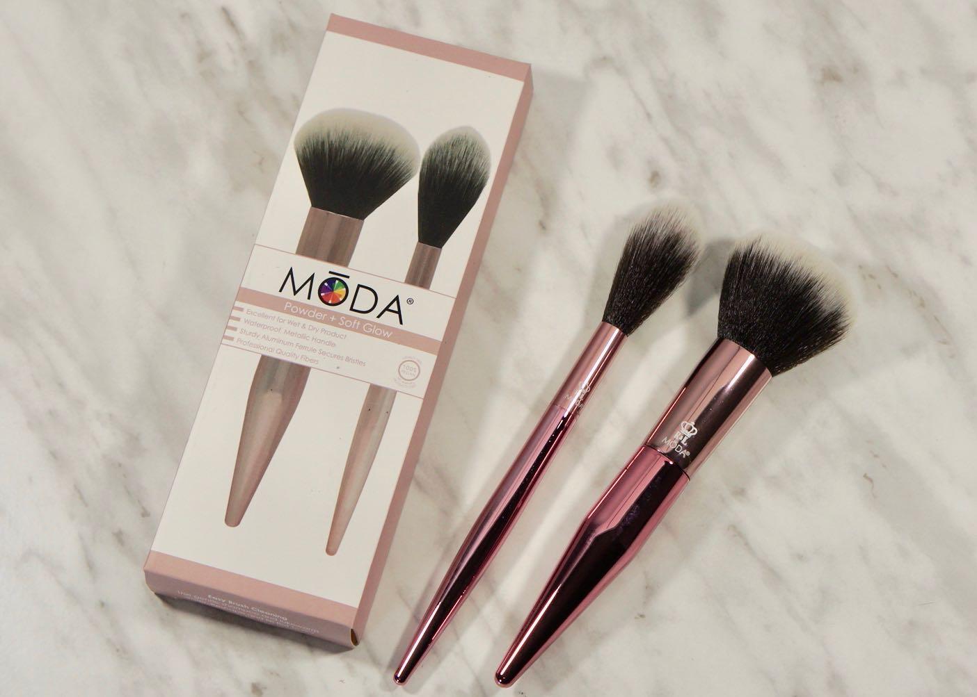 March 2018 Boxyluxe-la vie en rose-Moda Brushes-Powder and Soft Glow KitMarch 2018 Boxyluxe-la vie en roseDSC00704.jpg