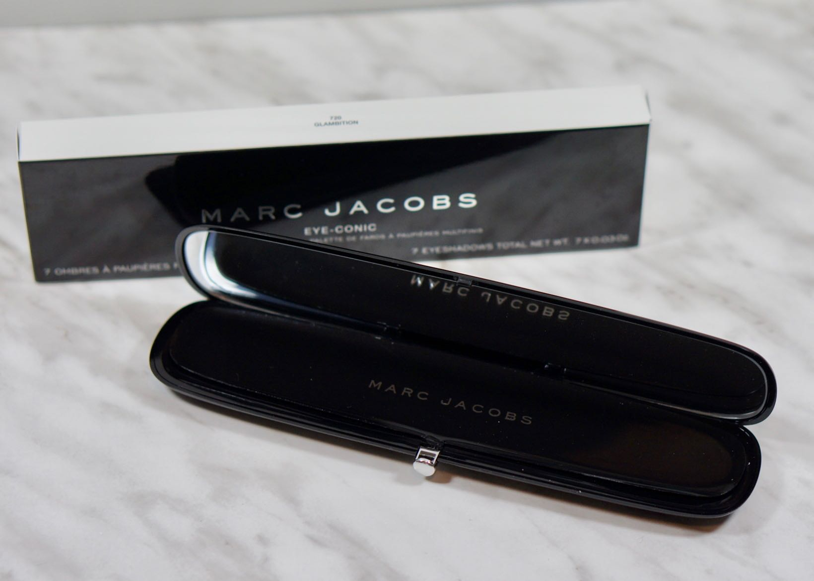 Marc Jacobs Eye-Conic Palette-720 GlambitionDSC04974.jpg