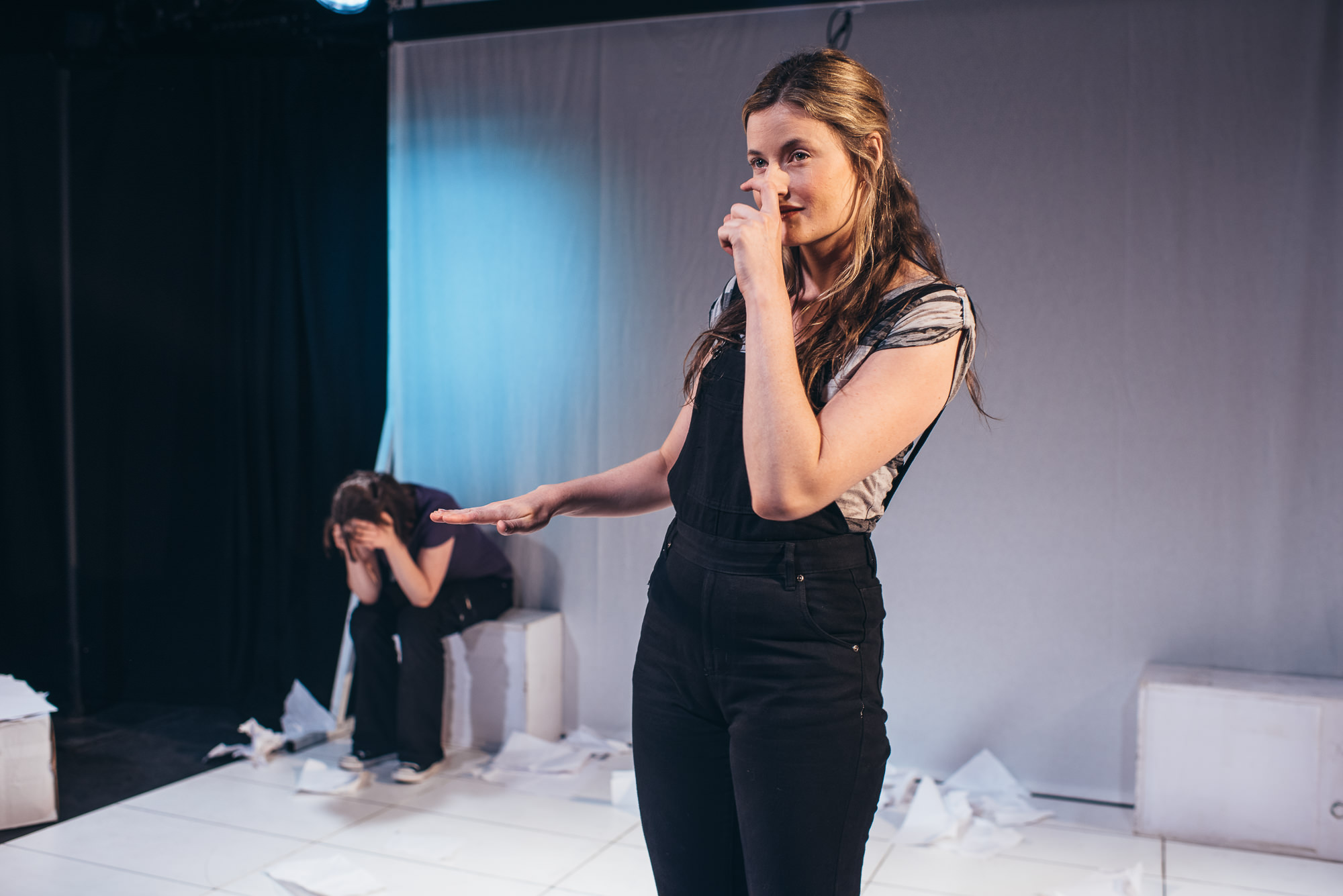 Production shots People of the Eye Edinburgh Fringe. Emily Howlett and Erin Siobhan Hutching. Image: David Monteith-Hodge
