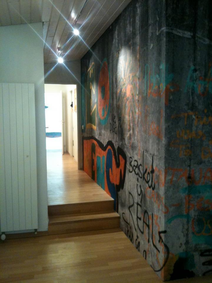 Graffiti wallpaper wall