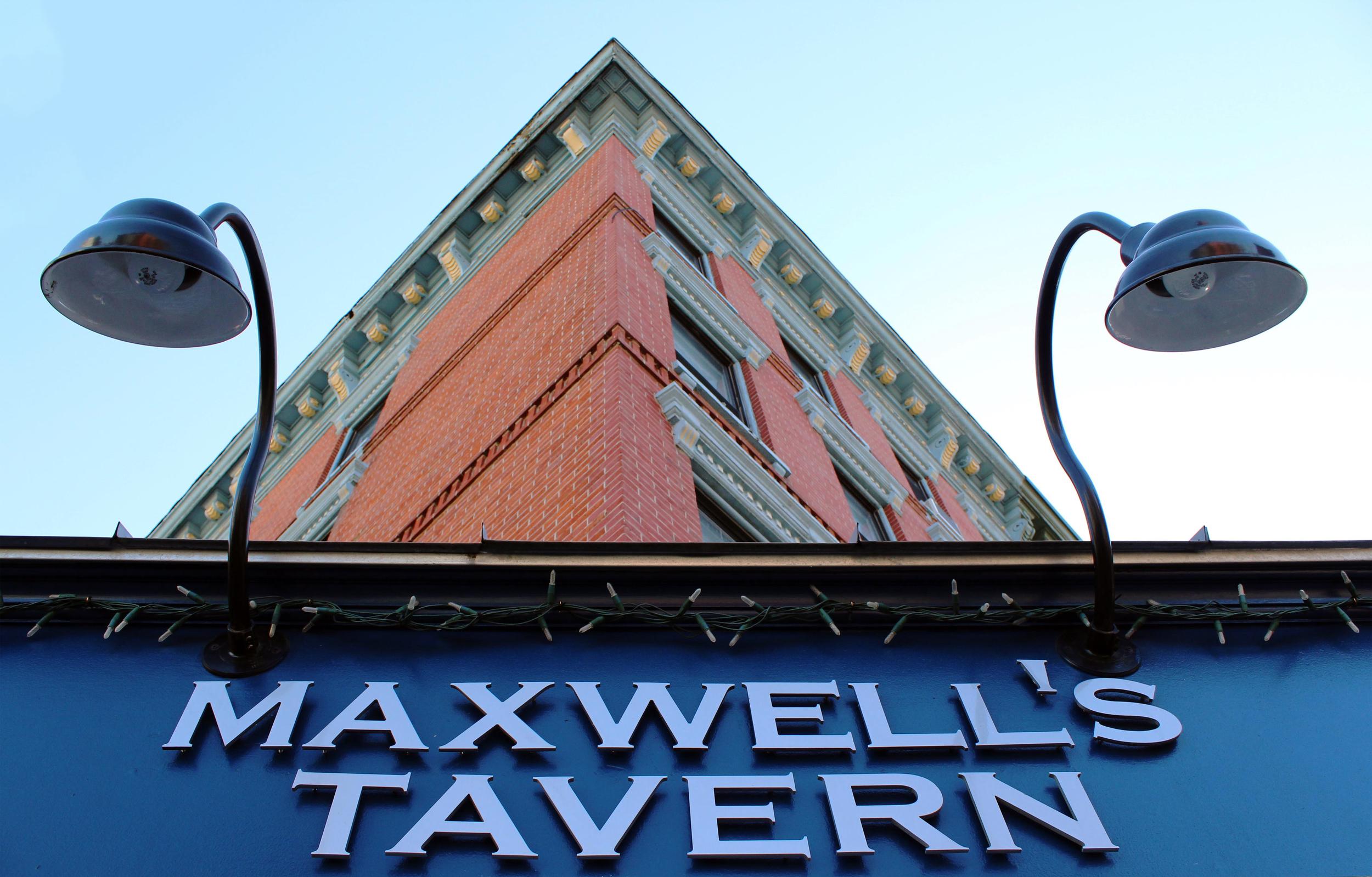Maxwells_CloseUp_B.jpg