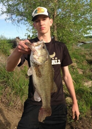 Brock Youngblood tied with Daczewitz for biggest bass at 20.5 inches. \\SUBMITTED