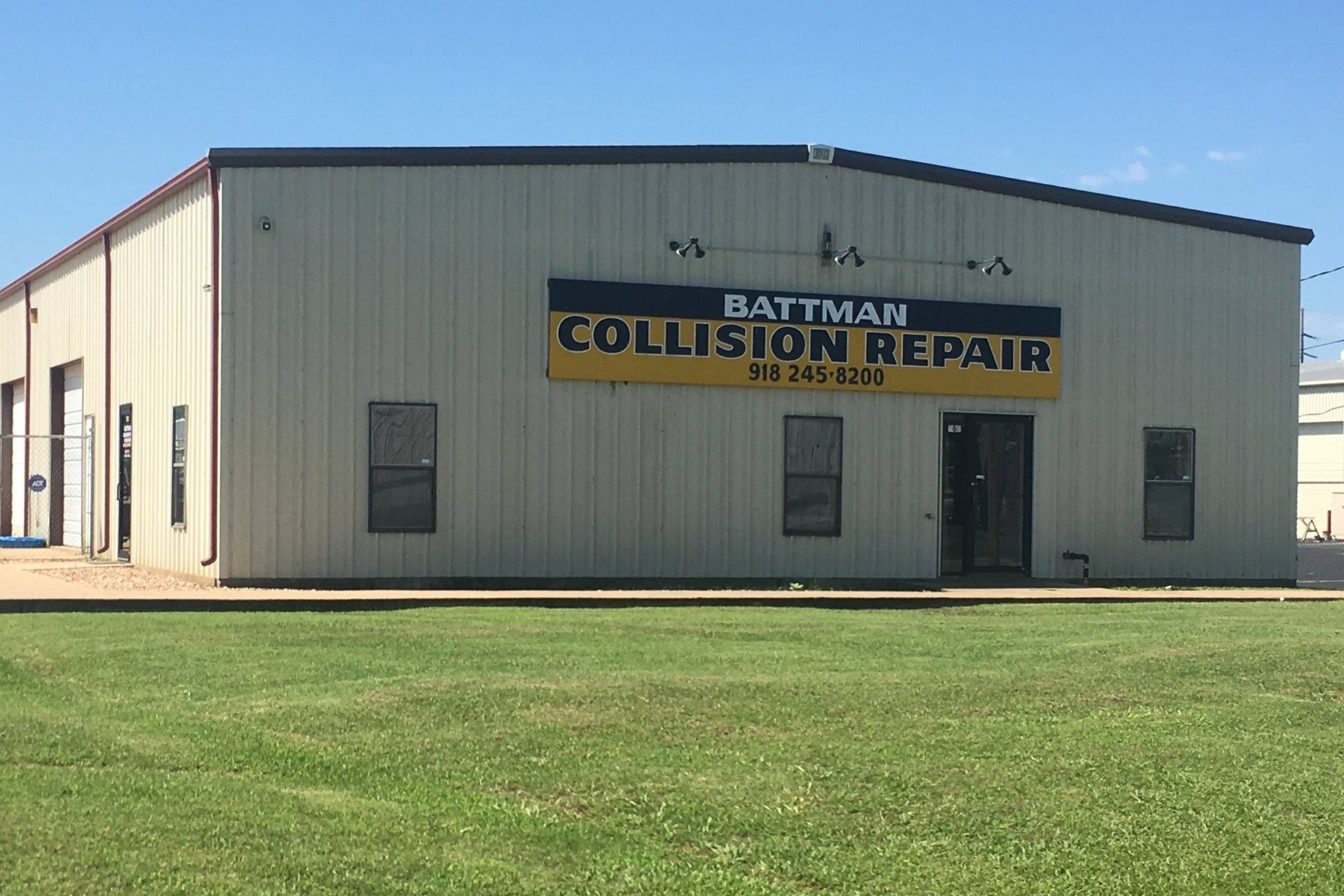 battman collision repair 702 east pecan street south