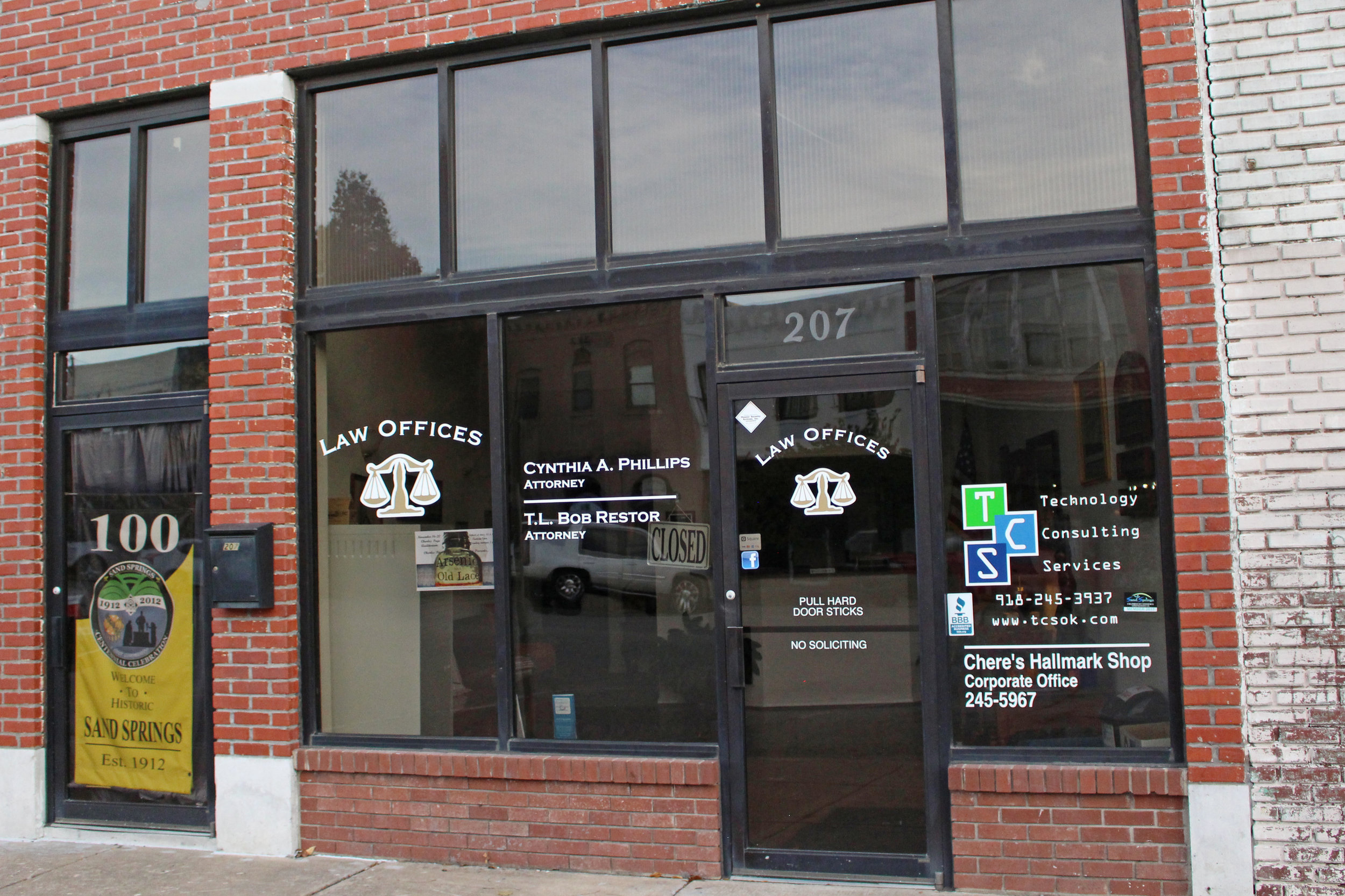 law offices of cynthia a. phillips and t.l. bob restor - downtown 207 north main street