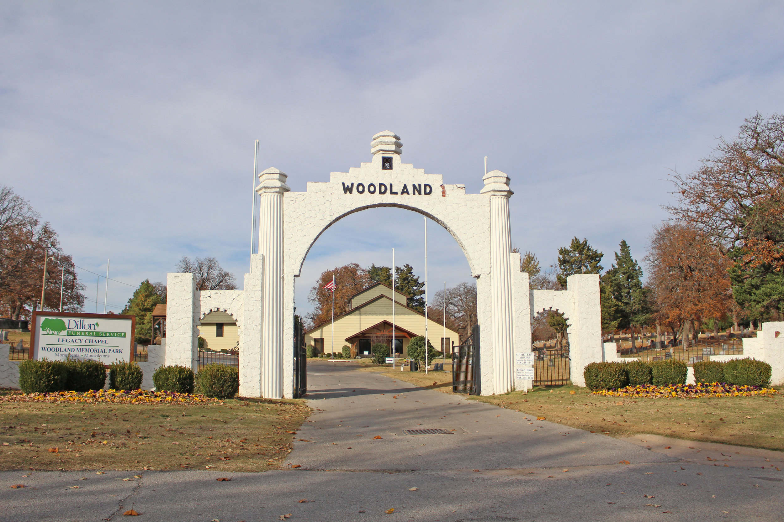 woodland memorial park cemetery 1200 north cleveland avenue