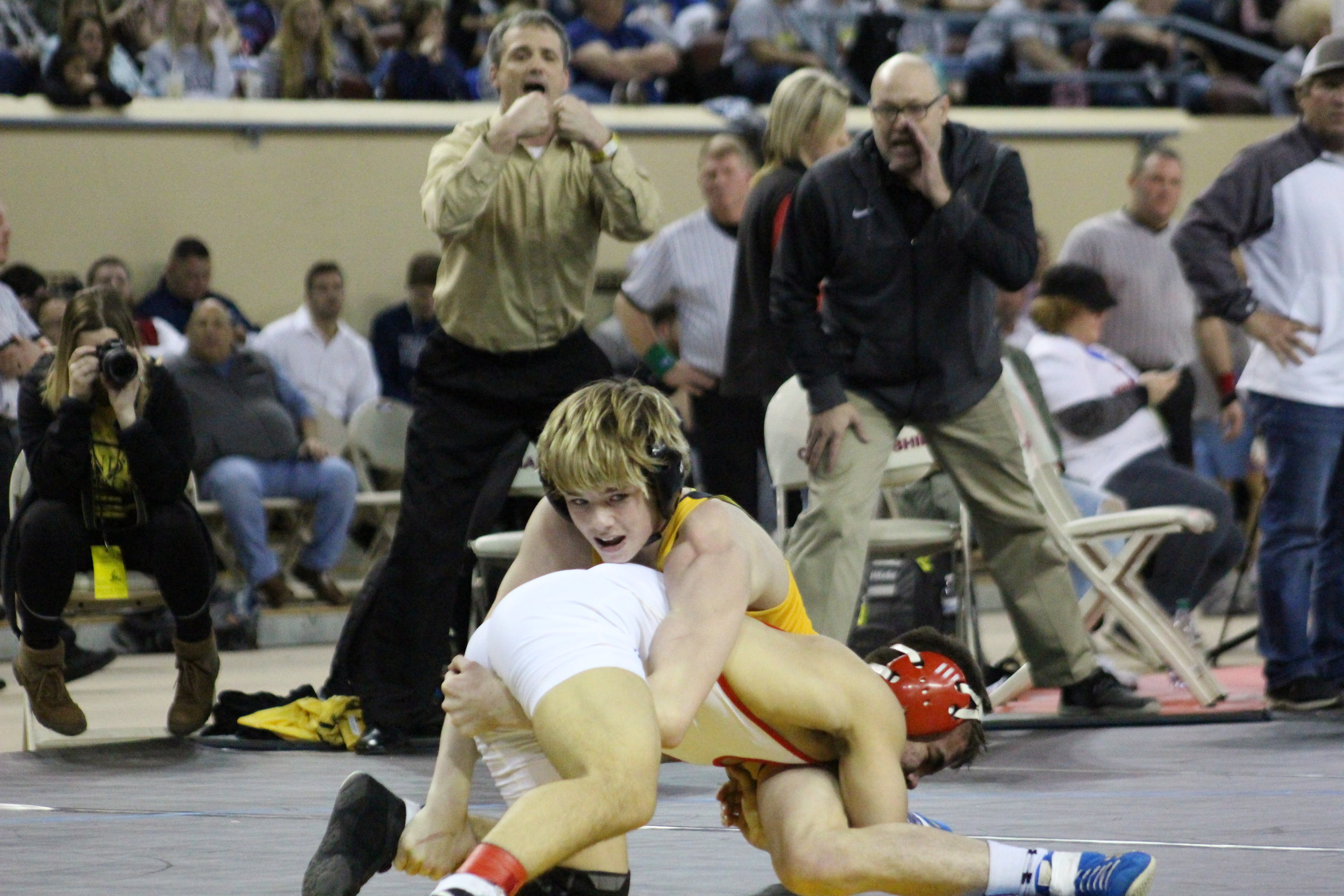 CPHS Head Coach Kelly Smith looks for a stalemate call in Carter Young's 2018 State Championship match. (Photo: Scott Emigh).