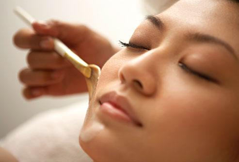 Asian woman Receiving a facial