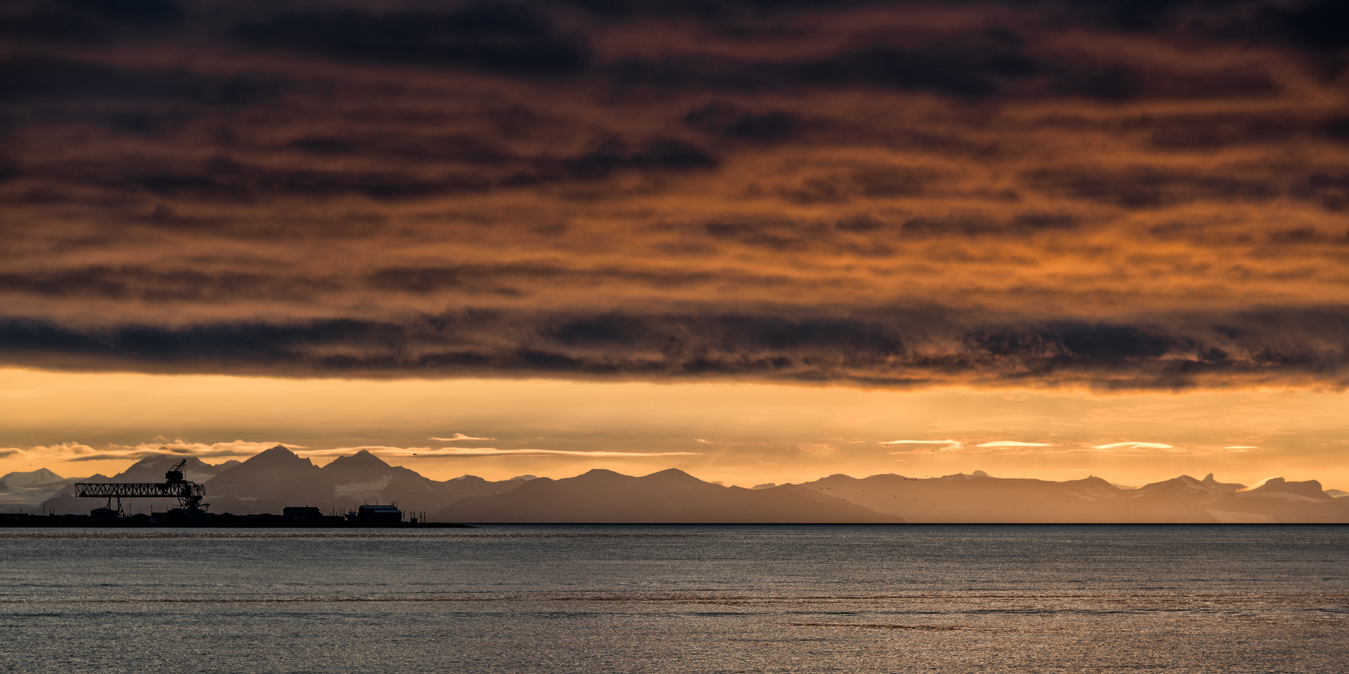 SUNSET OVER SVALBARD_MDS5305.jpg
