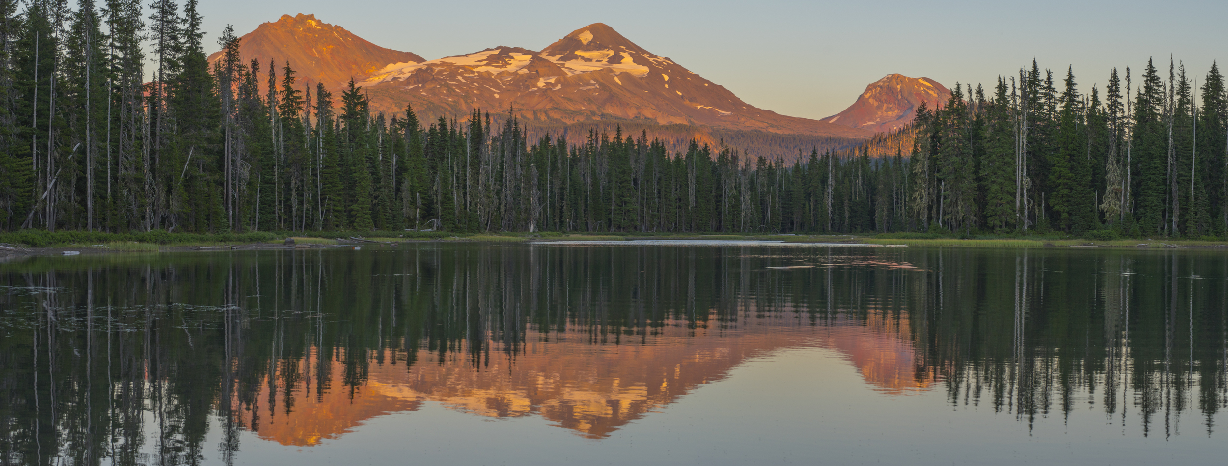 Sunset at Scott Lake with the 3 Sisters Mountains 2015.