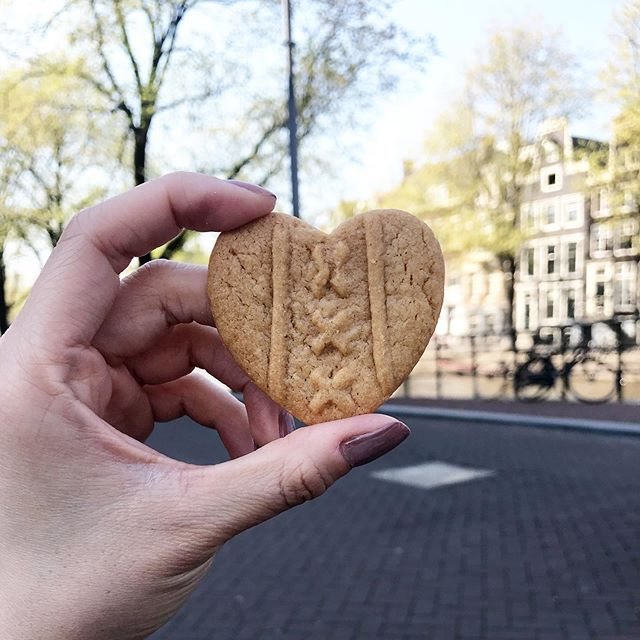 Cookie hearts for a gloomy Monday. #VENTURELIKEME