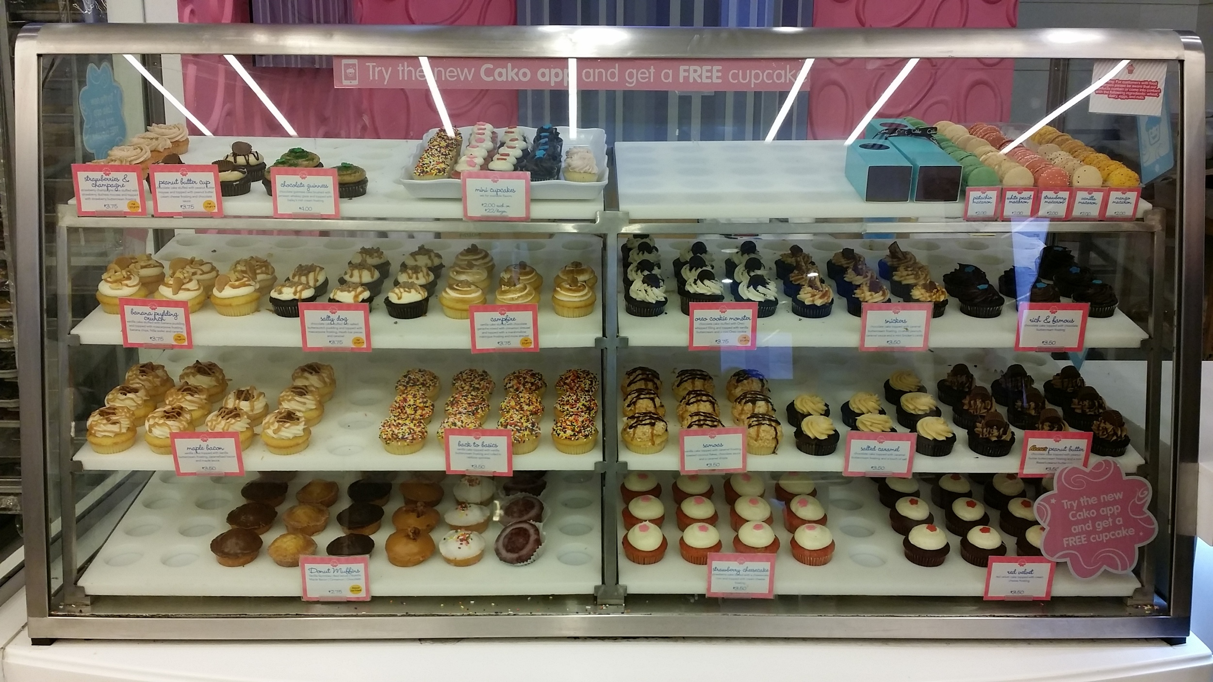 Cako Desserts: Cupcakes, Donut Muffins & French Macarons.